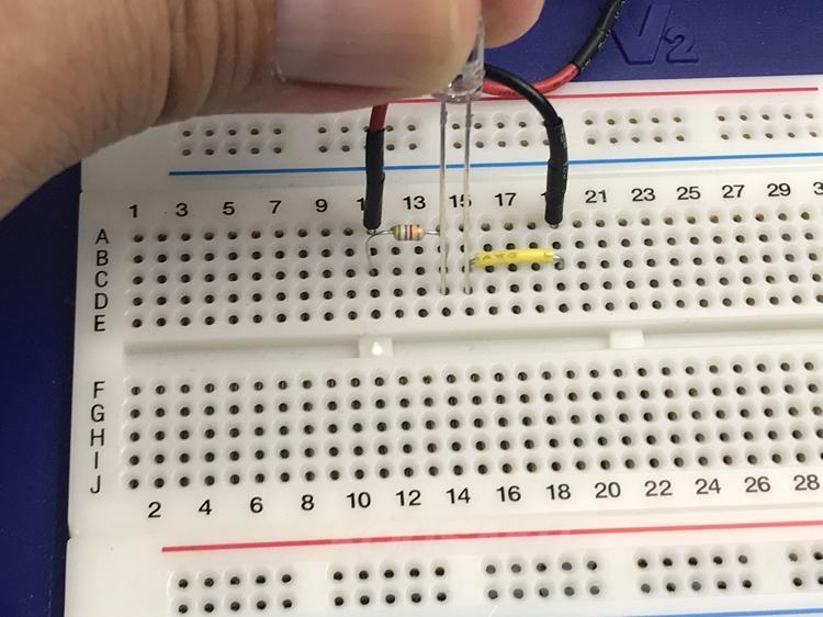 LEDの極性注意